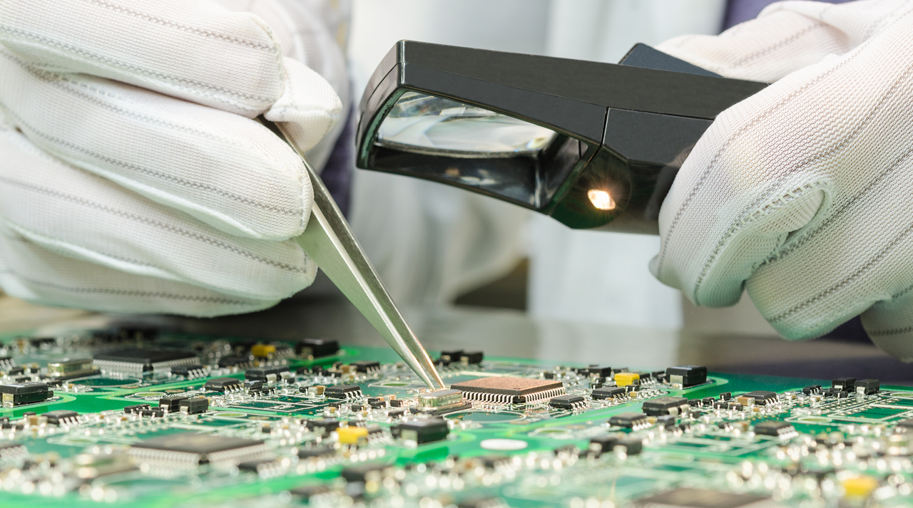 6 ways big data is enhancing quality in manufacturing - computer chip